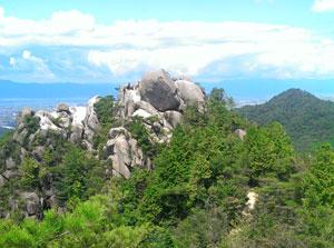 夏_金勝山と琵琶湖